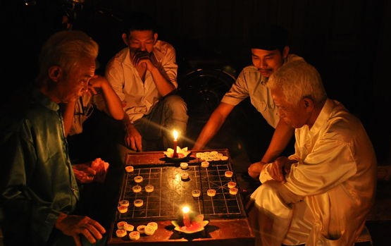 Chess on a Full Moon Night 1