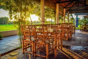 Lua dining area.