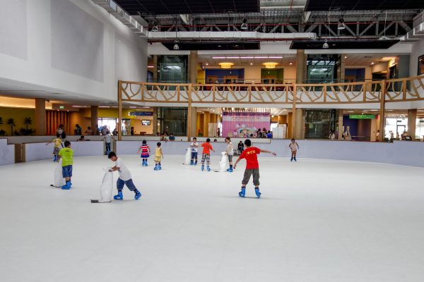 ice skating Helio Da Nang