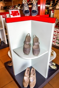 Feiker shoes, mens shoes, womens shoes, shoes sandals discount cheap shoes Hoi An Old Town Vietnam