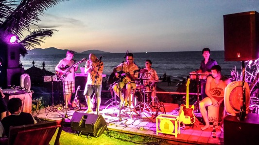 Soul Kitchen, An Bang Beach, Hoi An, musicians, live music, bars and nightlife, beach, kids