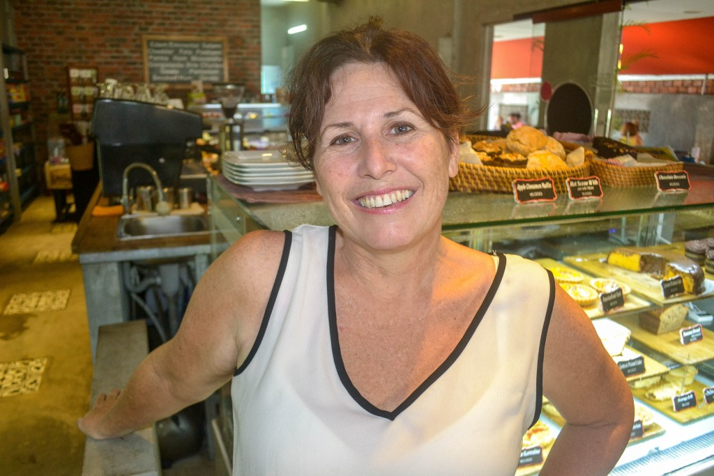 Michelle Ginder North, Dingo Deli, hoi an, children's playground, kids art classes, breakfast, western food, takeaway, coffee