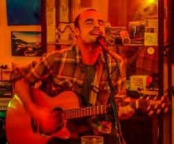 Dive Bar, Hoi An, singer 3