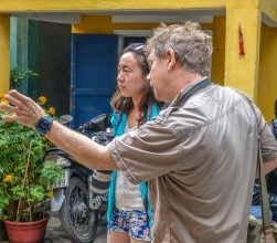 Hoi An Photo Walks. Pieter Janssen advises client 2