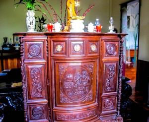 hoi an houses, accommodation, shrines and pagodas, dangers, vietnam