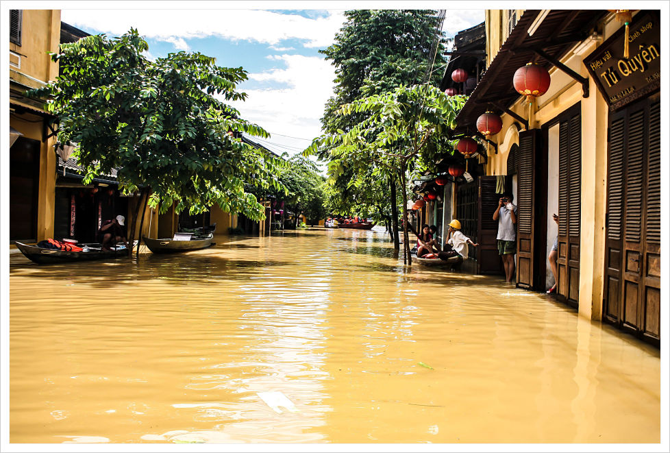 hoi an floods, vietnam, rainy season, monsoons, typhoons