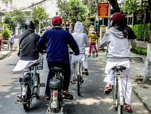 electric bikes, road rules of Vietnam, dangerous, bikes, cars, motorbikes