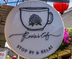 Rosie's Cafe, Hoi An, sign