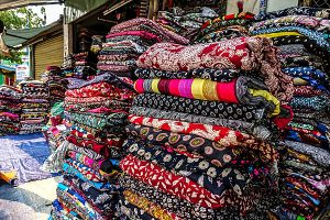 Hung Vuong Street cloth shops, hoi an, vietnam, material, buy material fabric