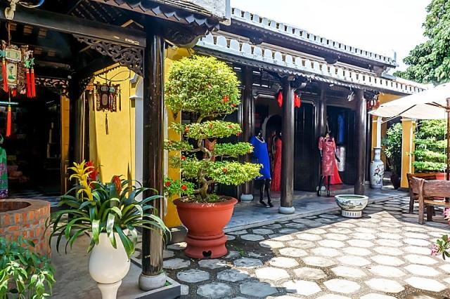 Thu Thuy Tailor, Hoi An, Vietnam