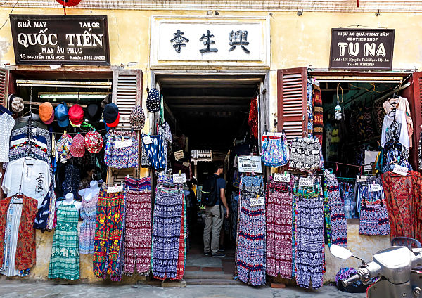 Tu Na and Phong Quoc Clothes, Cheap Clothes Shops Hoi An