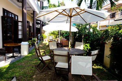 Belleville Restaurant & Lounge. Outdoor setting