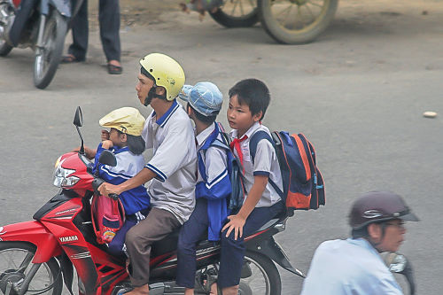 Hello Moto- boys after school -_opt