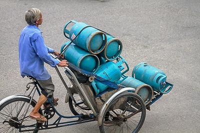 Hello Moto- gas man-_opt. Hoi An