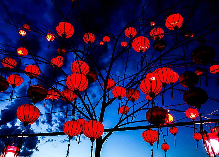 lanterns and lights in hoi an full moon lantern festival hoi an