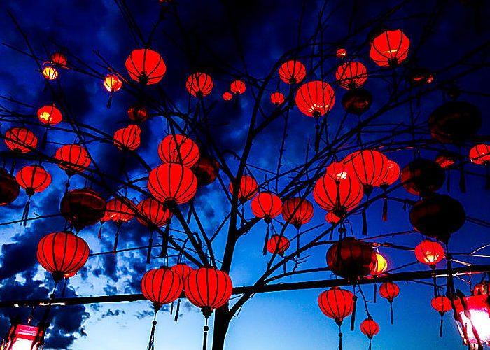 lanterns and lights in hoi an full moon lantern festival hoi an