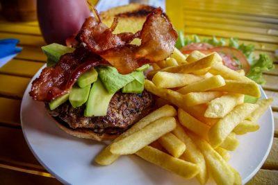 circle-cafe-hoi-an-burger. Best Restaurants in Hoi Anst