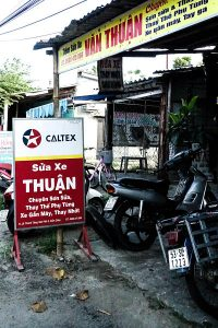 Thuan motorbike mechanic, Hoi An