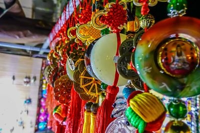night-market-hoi-an-shopkeeper-6_opt