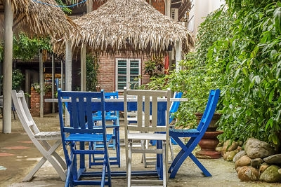 3-monkeys-cafe-hoi-an-outside-seating