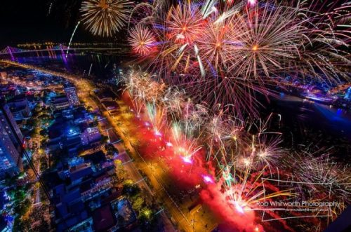 Da nang International Fireworks Festival. Rob Whitworth 3