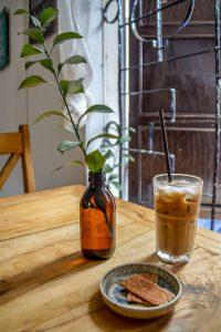 Digital Nomads, Rosie's Cafe, cafe sua da