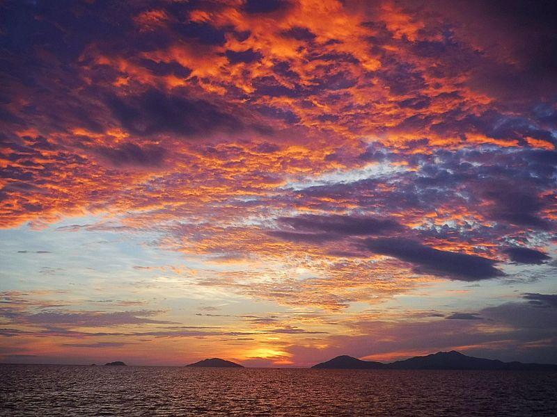 Sunrise with SUP Monkey - sunrise