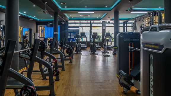 Superfit Gym Hoi An. gym wide shot