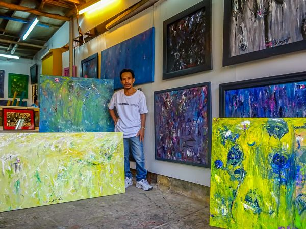 Quick Guide to Good Galleries in Hoi An. Son