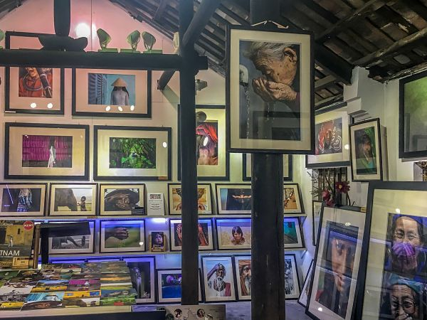 Quick Guide to Good Galleries in Hoi An. Rehan