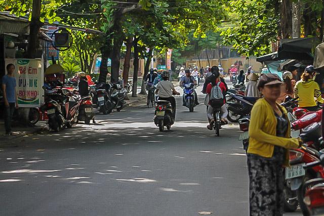 Thai Phien Street Hoi An long shot 2