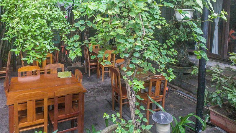 Orivy. Restaurant Review. Garden