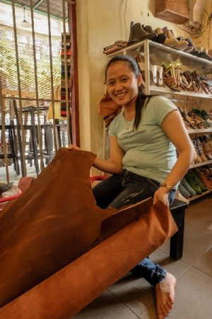 Shoes, tu-chi, tuchi, store, display, handmade shoes, sales woman, leather