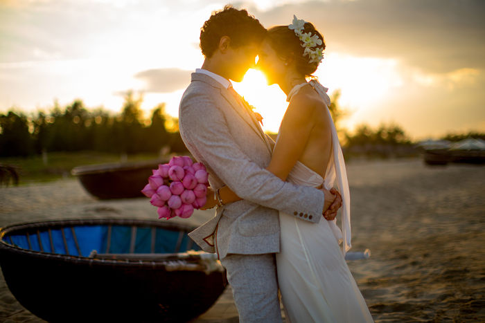 Get married in Hoi An. Beach wedding