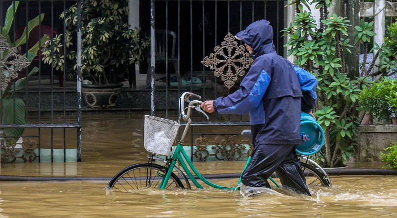 2017 Floods: delivering gas cylinder. How To Prevent Common Diseases During Rainy Season