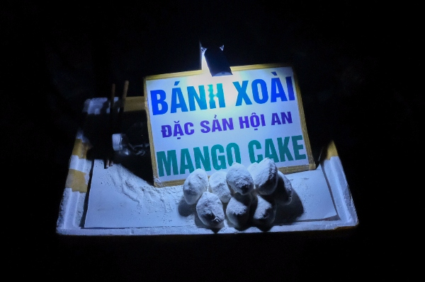 Mango cakes, lantern festival, food, street food, old town