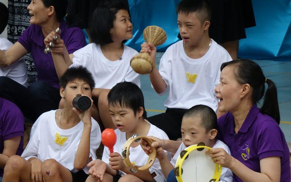 Kianh Foundation. Activities. Singing