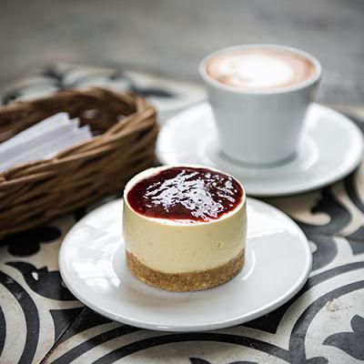 Dingo Deli coffee dessert. Hoi An