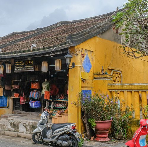 hoi an now travel guide to handmade shoes, Linh Shop, Hoi An