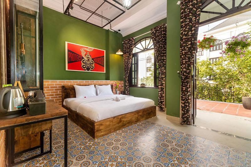 Hotels Hoi An, War and Peace