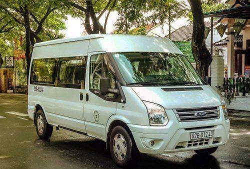 Road Rules Vietnam, Rules of the Road, Vietnam, hire a minibus driver hoi an