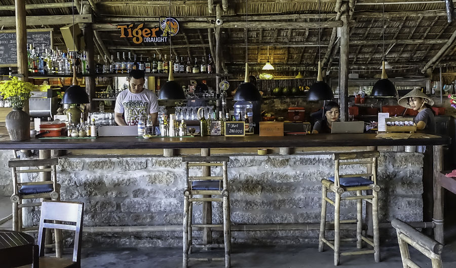 Soul Kitchen, An Bang Beach, An Bang, Live Music, Musicians, Vietnam, Quang Nam, Beach Club, Pub, Club, Beachside, Seaside, Bar, Restaurant, Beer, Cocktails, Chill, Singing, Guitar, Performer, Rock, Jazz, Hoi An, Cabana, Entertainment, Nightlife, Stage, Ocean