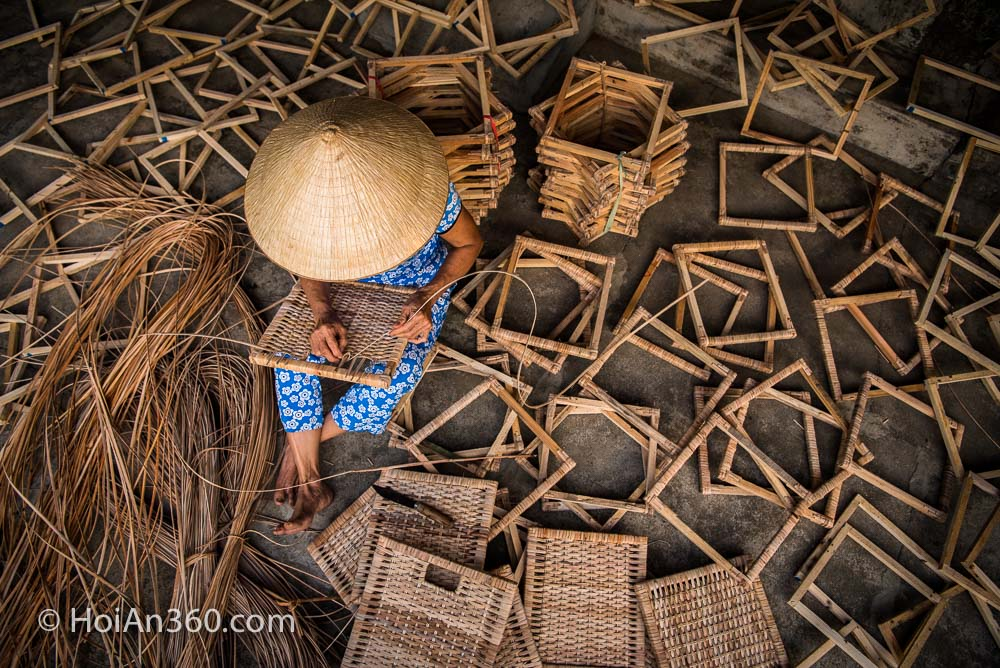 Hoi An 360 Photo Tours & Workshops. Workers at Sunset. Local craft 1