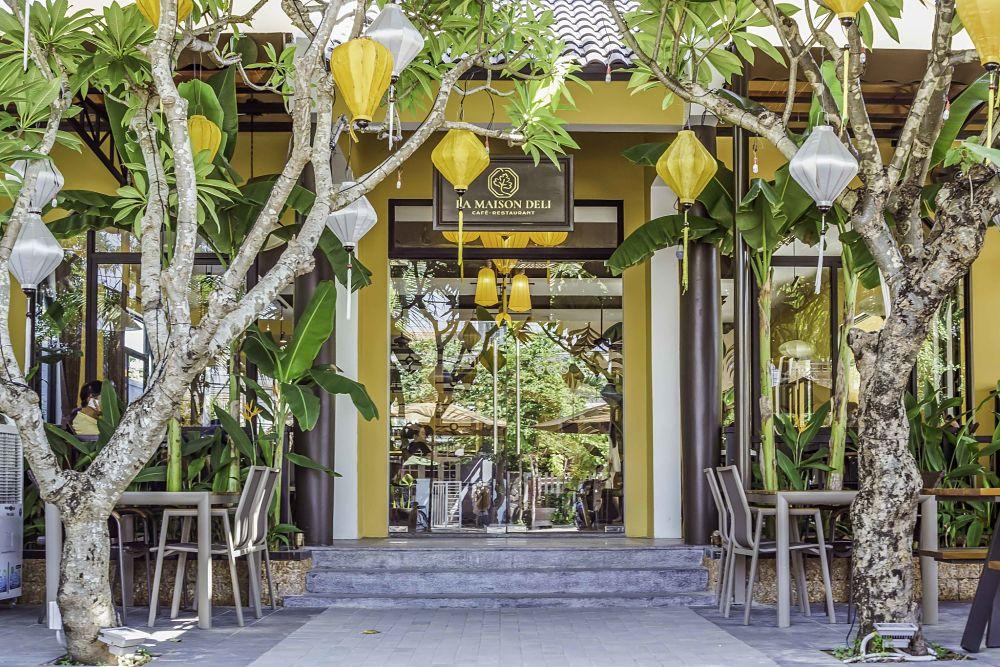 La maison Deli Hoi An. Hoi An Restaurants, Hoi An Cafes